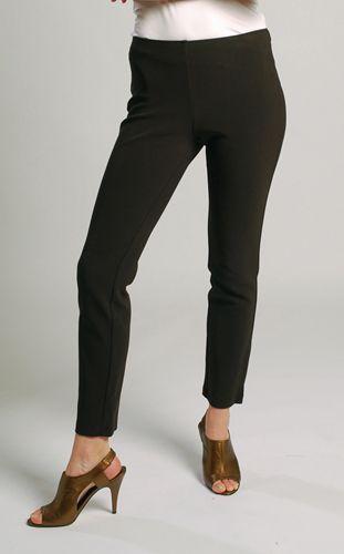 Bel kıvrımınız yeteri kadar belirgin değilse, skinny pantolonlarınızın üzerine mutlaka dökümü bir bluz giyip kemer takın.  Nerelerde bulabilirsiniz?  Zara, İpekyol, YKM